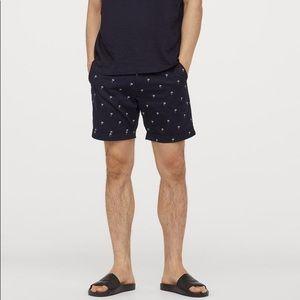 H&M Men's navy blue palm tree shorts size 30R ✨